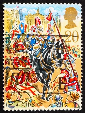 cavalryman: GRAN BRETA�A - CIRCA 1989: un sello impreso en la Gran Breta�a muestra Tribunales Tamborilero, cavalryman y la Ley, los alcaldes Mostrar en el Strand, circa 1989 Foto de archivo