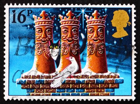 chimney pot: GREAT BRITAIN - CIRCA 1983: a stamp printed in the Great Britain shows Three Kings chimney pots, Illustration for Christmas carol, circa 1983 Stock Photo