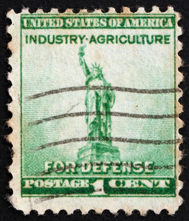 UNITED STATES OF AMERICA - CIRCA 1940: a stamp printed in the United States of America shows Statue of Liberty, circa 1940 photo