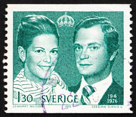 SWEDEN - CIRCA 1976: a stamp printed in the Sweden shows King Carl XVI and Queen Silvia, circa 1976 Stock Photo - 12001787
