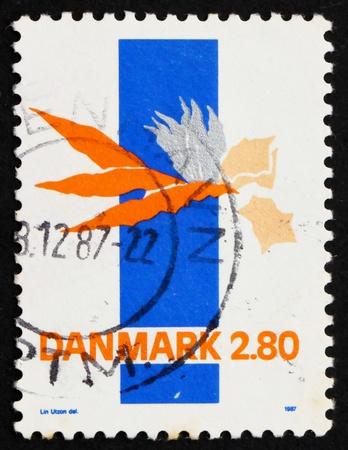utzon: DENMARK - CIRCA 1986: a stamp printed in the Denmark shows Abstract by Lin Utzon, circa 1986