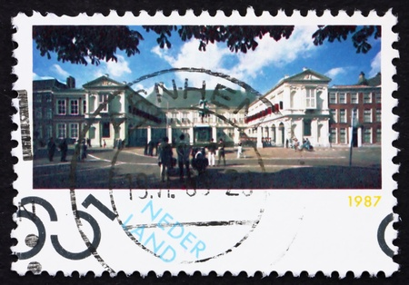 beatrix: NETHERLANDS - CIRCA 1987: a stamp printed in the Netherlands shows Noordeinde Palace, Working Palace for Queen Beatrix, Hague, circa 1987