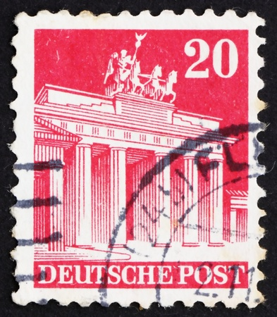 GERMANY - CIRCA 1948: a stamp printed in the Germany shows Brandenburg Gate, Berlin, circa 1948 Stock Photo - 13512285