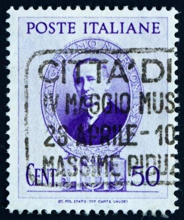 telegraphy: ITALIA - CIRCA 1938: un francobollo stampato in Italia mostra Guglielmo Marconi, ingegnere elettrico, inventore della telegrafia senza fili, circa 1938