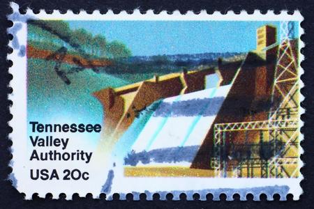 beh�rde: UNITED STATES OF AMERICA - CIRCA 1983: eine Briefmarke gedruckt in den USA zeigt, Wasserkraftwerk, Tennessee Valley Authority, TVA, circa 1983
