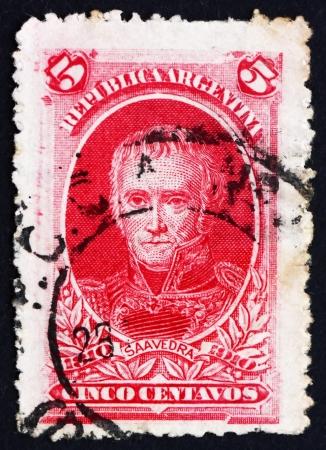 statesman: ARGENTINA - CIRCA 1910: un francobollo stampato in Argentina mostra Cornelio Saavedra, ufficiale militare e statista, Presidente della Giunta Primera, circa 1910 Editoriali