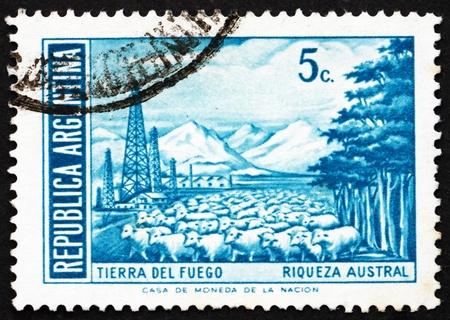 ARGENTINA - CIRCA 1971: un sello impreso en la Argentina demuestra Tierra del Fuego, Argentina, circa 1971