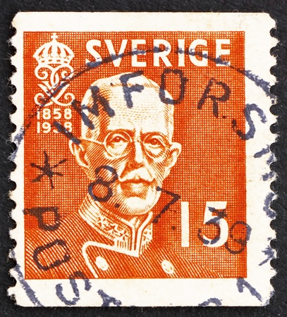 gustaf: SWEDEN - CIRCA 1938: a stamp printed in the Sweden shows King Gustaf V, circa 1938