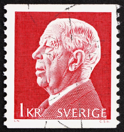 vi: SWEDEN - CIRCA 1972: a stamp printed in the Sweden shows King Gustaf VI Adolf, circa 1972