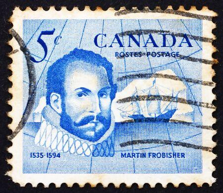descubridor: CANADA - CIRCA 1963: un sello impreso en Canad� muestra Sir Martin Frobisher, explorador y descubridor de Frobisher Bay, alrededor del a�o 1963