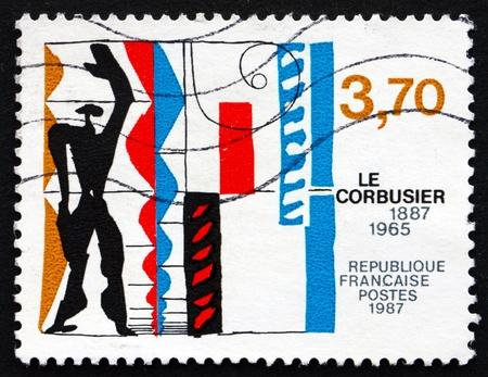 FRANCE - CIRCA 1987: un timbre imprimé en France montre Charles Edouard Jenneret, Le Corbusier, architecte, travaux, circa 1987 Banque d'images - 21239329