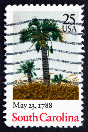 ratificaci�n: ESTADOS UNIDOS DE AMERICA - CIRCA 1988: un sello impreso en los EE.UU. muestra la palma, Carolina del Sur, 23 de mayo de 1788, Bicentenario de la ratificaci�n de la Constituci�n, alrededor de 1988 Editorial
