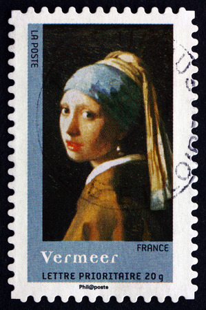 FRANCE - CIRCA 2008: a stamp printed in the France shows Girl with a Pearl Earring, Painting by Jan Vermeer, circa 2008 Stock fotó - 29249026