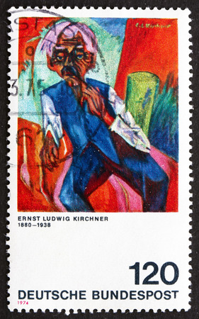 old farmer: GERMANIA - CIRCA 1974: un francobollo stampato in Germania mostra Old Farmer, dipinto di Ernst Ludwig Kirchner, circa 1974 Editoriali