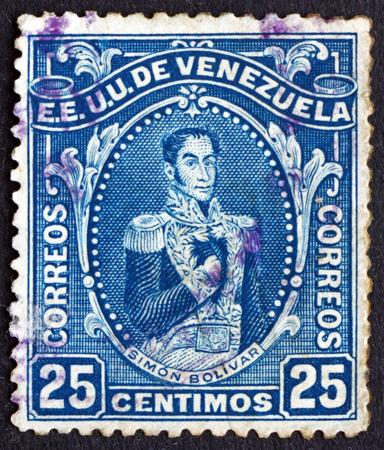 the liberator: VENEZUELA - CIRCA 1914: un francobollo stampato in Venezuela mostra Simon Bolivar, Liberator, rivoluzionario, Ritratto, secondo il presidente del Venezuela, 1813-1814, circa 1914 Editoriali