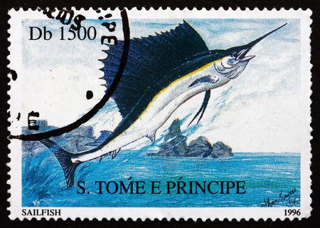 pez vela: SANTO TOM� Y PRINIPE - CIRCA 1996: un sello impreso en Santo Tom� y Pr�ncipe muestra Pez Vela, Istiophorus platypterus, pescado, alrededor de 1996 Editorial