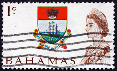 queen elizabeth ii: BAHAMAS - CIRCA 1967: a stamp printed in Bahamas shows Colony Badge and Queen Elizabeth II, circa 1967 Editorial