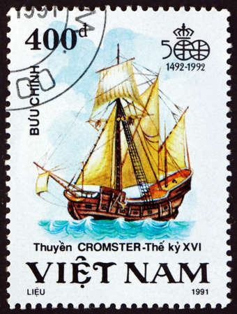 VIETNAM - CIRCA 1991: a stamp printed in Vietnam shows Cromster, Sailing Ship, Discovery of America, 500th Anniversary, circa 1991 Фото со стока