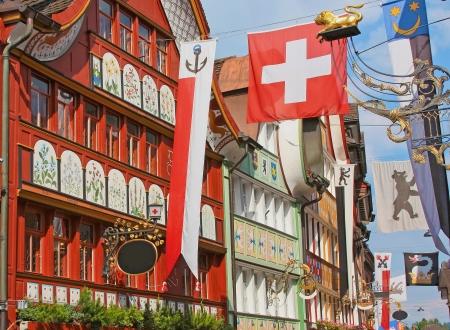 Hauptgasse, die Hauptstraße in Appenzell Appenzell historischen Viertel ist eine Region und historische Kanton im Nordosten der Schweiz, vollständig durch den Kanton St. Gallen umgeben Editorial