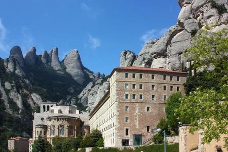 Santa Maria de Montserrat ist ein Benediktiner-Abtei auf dem Berg Montserrat, in Monistrol de Montserrat in Katalonien, Spanien Das Kloster ist Katalonien Lizenzfreie Bilder