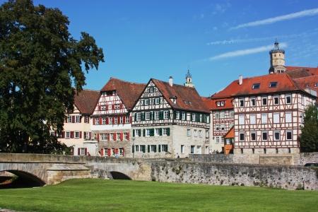 Schwäbisch Hall ist eine Stadt im deutschen Bundesland Baden-Württemberg und liegt im Tal des Flusses Kocher in der nord-östlichen Teil von Baden-Württemberg.