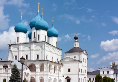 commanding: Vysotsky Monastery is a walled Russian Orthodox monastery commanding the high left bank of the Nara River in Serpukhov Stock Photo