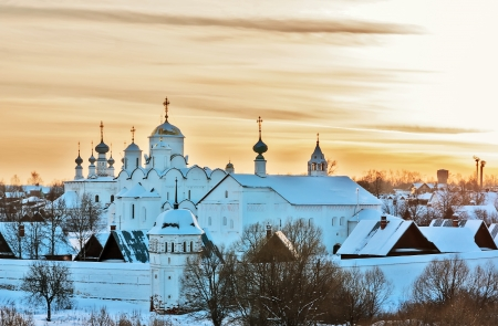 Kind auf Kloster der Fürbitte in Susdal, Russland Lizenzfreie Bilder