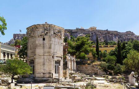 octogonal: La Torre de los Vientos es una torre del reloj de m�rmol del Pent�lico octogonal en el �gora de Atenas
