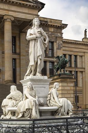 friedrich: Statue of Germany poet Friedrich Schillerin downtown of Berlin