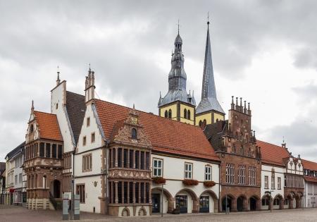 Fassaden von Lemgo Rathaus haben ihr Aussehen im Laufe der vielen hundert Jahren (von 1325) gehalten.