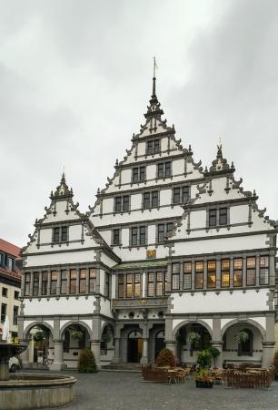 das Renaissance-Rathaus wurde 1616 auf einem Marktplatz der Stadt Paderborn, Deutschland aufgebaut