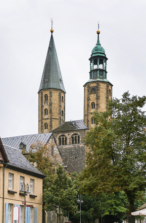 longer: The Goslar Market Church, first mentioned in 1151, was built as a smaller copy of the Imperial Church, which no longer exists,