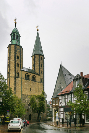 exists: The Goslar Market Church, first mentioned in 1151, was built as a smaller copy of the Imperial Church, which no longer exists,