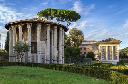 Der Tempel des Herkules Victor (Hercules die Gewinner) ist ein altes Gebäude in der Nähe des Forum Boarium in der Nähe des Tiber in Rom, Italien.
