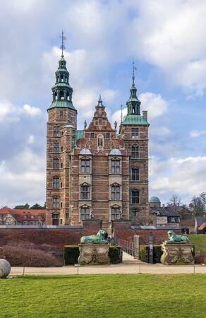 summerhouse: Rosenborg is a renaissance castle located in Copenhagen, Denmark. The castle was originally built as a country summerhouse in 1606