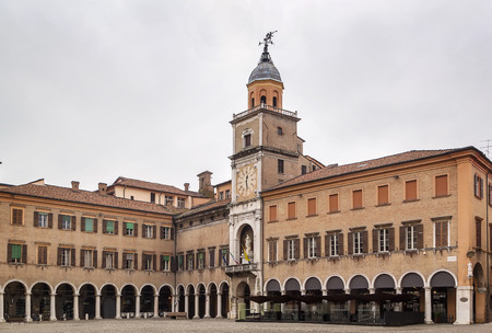 edifices: Town Hall of Modena was put together in the 17th and 18th centuries from several pre-existing edifices built from 1046 as municipal offices Stock Photo