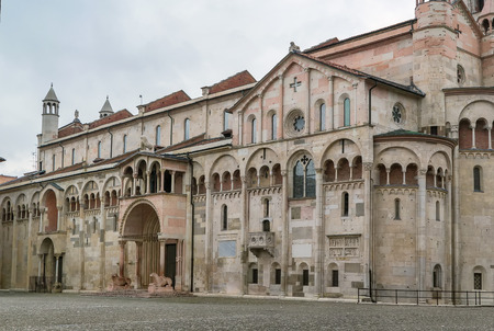 Modena Cathedral is a Roman Catholic Romanesque church in Modena, Italy.  Stok Fotoğraf