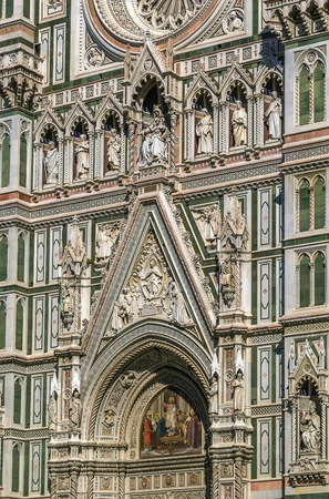 cattedrale: The Cattedrale di Santa Maria del Fiore (Cathedral of Saint Mary of the Flower) is the main church of Florence, Italy. Detail of the facade