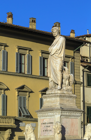 dante alighieri: statue of Dante Alighieri in front of Basilica of Santa Croce, Florence, Italy
