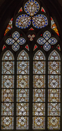 dom: stained-glass window in Altenberger Dom, Germany Banque d'images