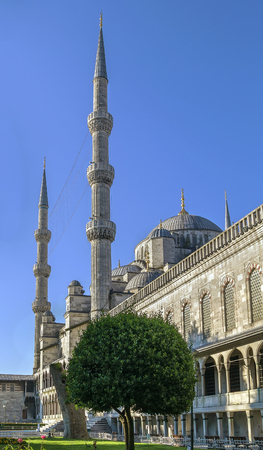 constantinople ancient: The Sultan Ahmed Mosque known as the Blue Mosque is an historic mosque in Istanbul.