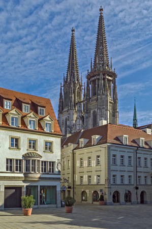 st german: St. Peters Regensburg Cathedral is an example of pure German Gothic, Germany.