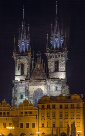 staromestke namesti: Church of Our Lady before Tyn, is a dominant feature of the Old Town of Prague, Czech Republic, and has been the main church of this part of the city since the 14th century. At night Stock Photo
