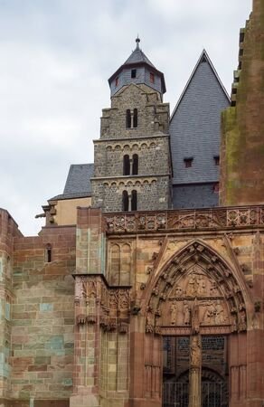 historica: Wetzlar Cathedral is a large church in the town of Wetzlar, Germany.Construction began in 1230 and is still unfinished. Portal