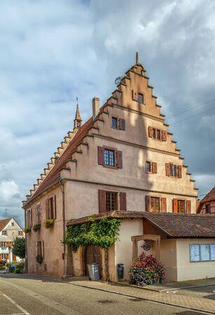 ville: historical house on street in Dambach la Ville, Alsace, France Stock Photo