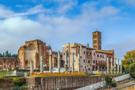 The Temple of Venus and Roma is thought to have been the largest temple in Ancient Rome Lizenzfreie Bilder