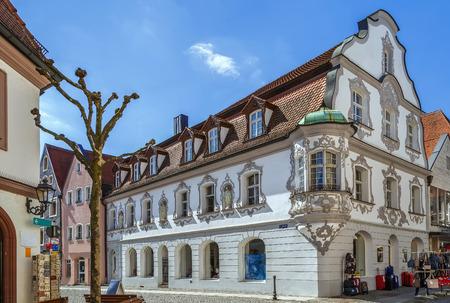 Calle en el centro histórico de Amberg, Baviera, Alemania Foto de archivo - 87400471