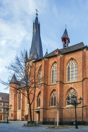 St Lambertus church is Roman Catholic church in Dusseldorf historic center, Germany Imagens