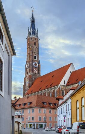 View of St. Martin Church in Landshut downtown, Germany Stockfoto - 130103315