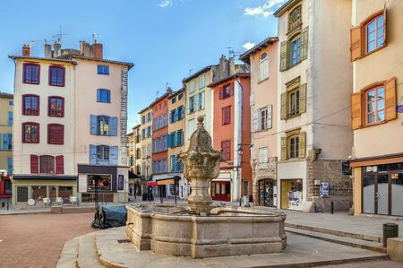 Square with fountain in Le Puy-en-Velay, France Reklamní fotografie